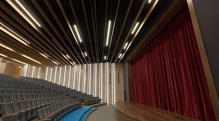tiyatro salonu akustik ses yalıtımı